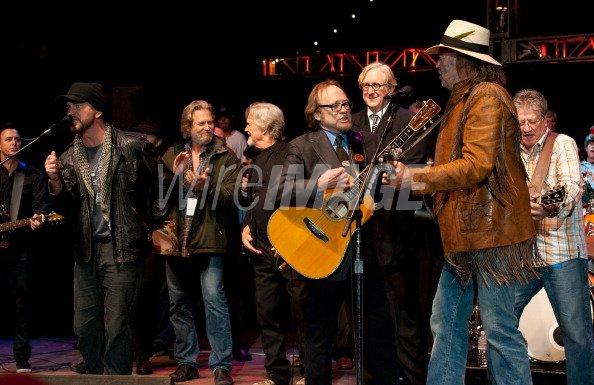 Eddie Vedder Jeff Bridges Kris Kristofferson Stephen Stills Neil