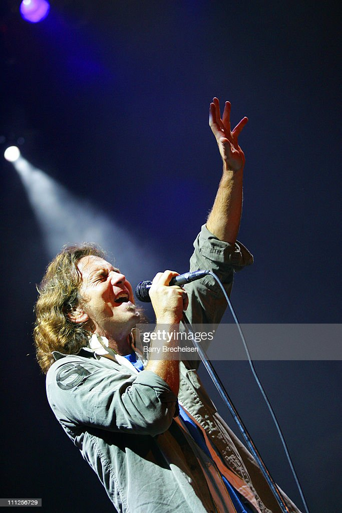 A Benefit for Hurricane Katrina Survivors with Pearl Jam and Robert Plant