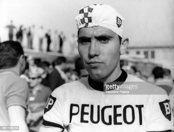 Eddy Merckx photographié à son arrivée de la deuxième étape du Tour d'Italie à La Spezia Italie le en mai 1967