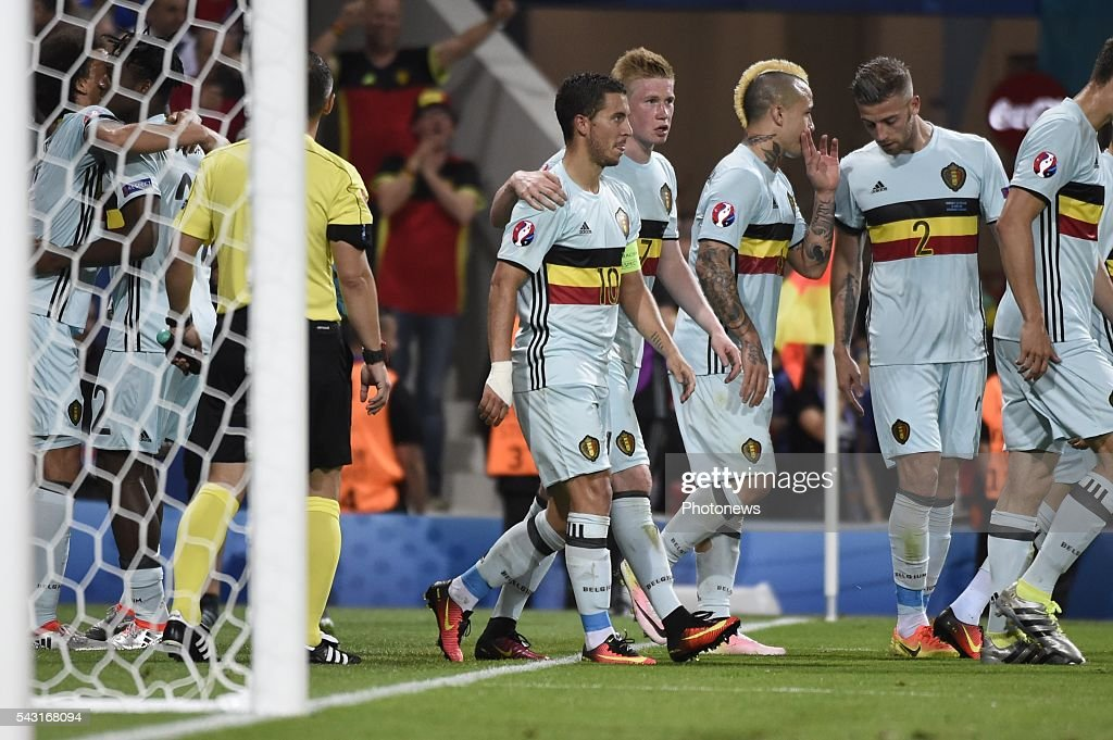Eden Hazard midfielder of Belgium celebrates with teammates after scoring during the UEFA EURO 2016 Round of 16 match between Hungary and Belgium at the Stadium Toulouse on June 26, 2016 in Toulouse, France ,