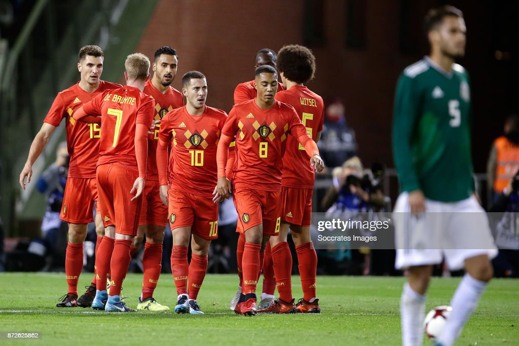 Eden Hazard of Belgium celebrates 1-0 withThomas Meunier of Belgium, Kevin de Bruyne of Belgium, Nacer Chadli of Belgium, Youri Tielemans of Belgium, Axel Witsel of Belgium during the International Friendly match between Belgium v Mexico at the Koning Boudewijnstadion on November 10, 2017 in Brussel Belgium