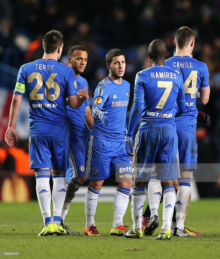 <a gi-track='captionPersonalityLinkClicked' href=/galleries/search?phrase=Eden+Hazard&family=editorial&specificpeople=5539543 ng-click='$event.stopPropagation()'>Eden Hazard</a> of Chelsea celebrates his goal with team mates after the UEFA Europa League Round of 32 second leg match between Chelsea and Sparta Praha at Stamford Bridge on February 21, 2013 in London, England.