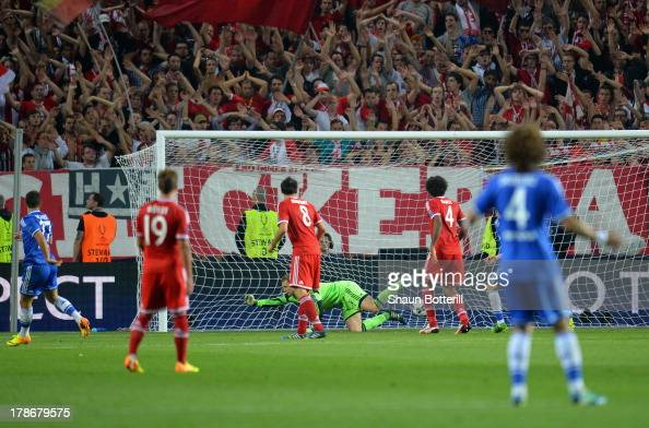 Eden Hazard of Chelsea turns to celebrates after scroing their second goal past Manuel Neuer of Bayern Munich during the UEFA Super Cup between...
