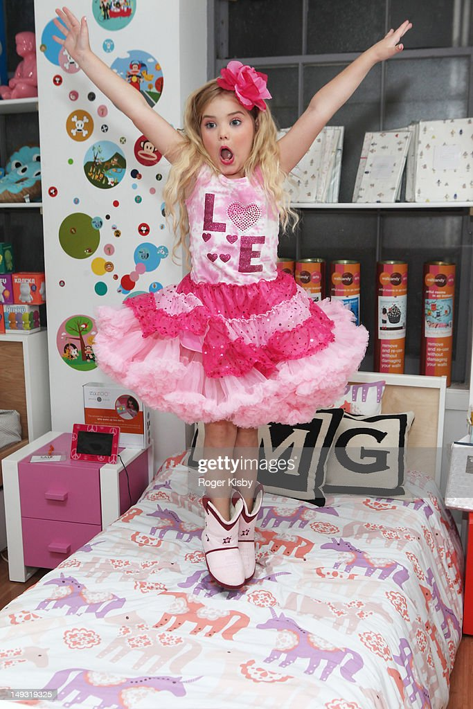 Eden Wood attend Tiny Tots Mini Mogul Fashion Event at Babestas on July 26 2012 in New York City