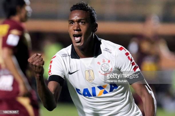 Edenilson of Corinthians celebrates a scored goal during the match between Corinthians and San Jose as part of the Bridgestone Libertadores...