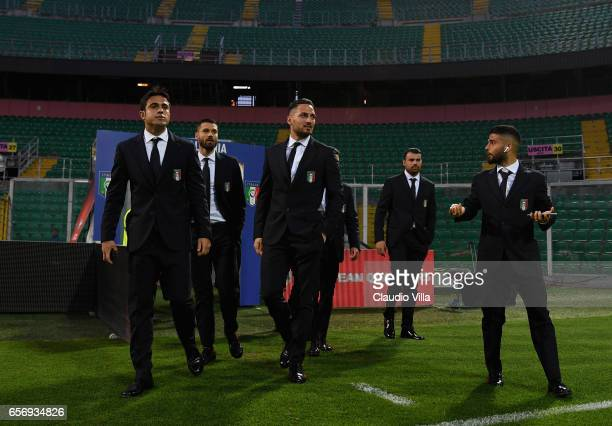 Eder Antonio Candreva Danilo D'Ambrosio Andrea Petagna and Lorenzo Insigne of Italy look on during the Italy pitch inspetcion at Stadio Renzo Barbera...