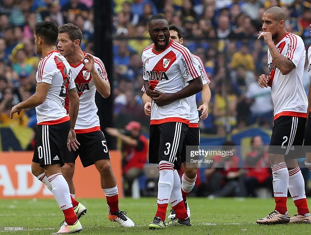 Eder Balanta, of River Plate, (3) reacts during a match between Boca Juniors and River Plate as part of Torneo Transicion 2016 at Alberto J. Armando Stadium on April 24, 2016 in Buenos Aires, Argentina.