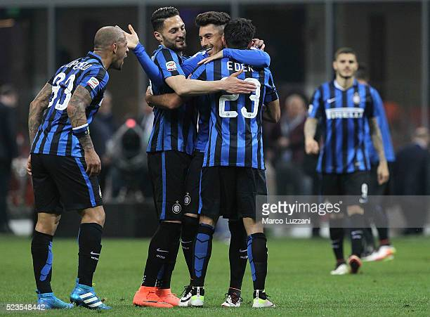 Eder Citadin Martins of FC Internazionale Milano celebrates his goal with his teammates at the end of the Serie A match between FC Internazionale...