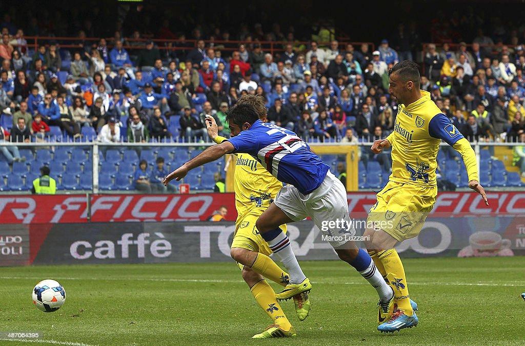 Eder Citadin Martins (C) of UC Sampdoria scores his goal (1:1) during the Serie A match between UC Sampdoria and AC Chievo Verona at Stadio Luigi Ferraris on April 27, 2014 in Genoa, Italy.