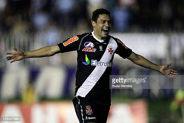 Eder Luis of Vasco celebrates a scored goal againist Gremio during a match as part of Serie A 2011 at Sao Januario stadium on September 17 2011 in...