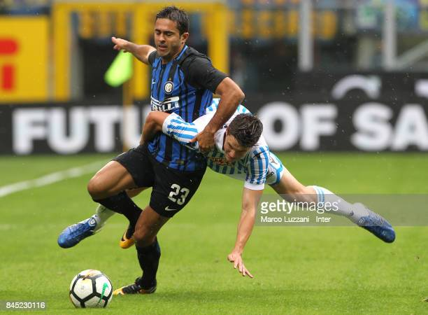 Eder of FC Internazionale in action during the Serie A match between FC Internazionale and Spal at Stadio Giuseppe Meazza on September 10 2017 in...