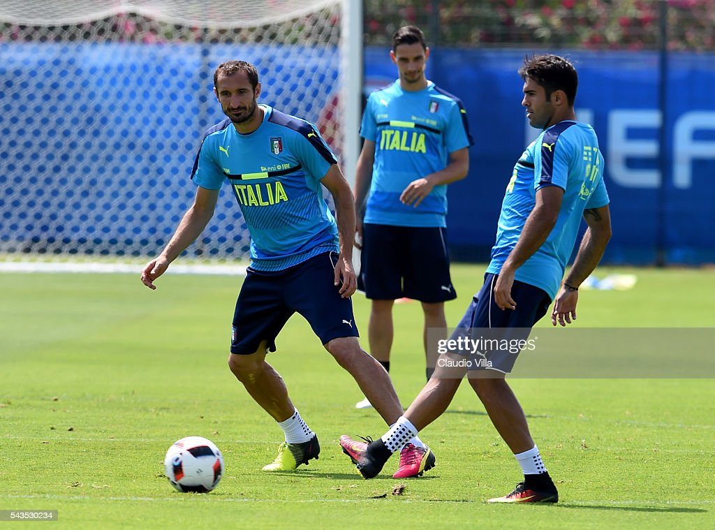 Eder of Italy (R) in action during the training session at 'Bernard Gasset' Training Center on June 29, 2016 in Montpellier, France.