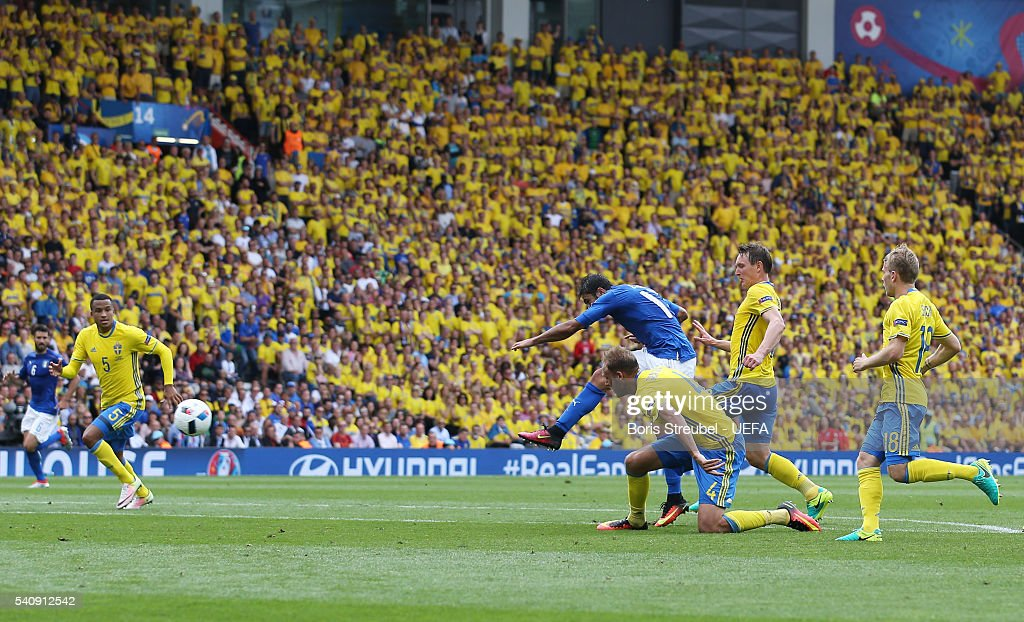 Eder of Italy scores his sides first goal during the UEFA EURO 2016 Group E match between Italy and Sweden at Stadium Municipal on June 17, 2016 in Toulouse, France.