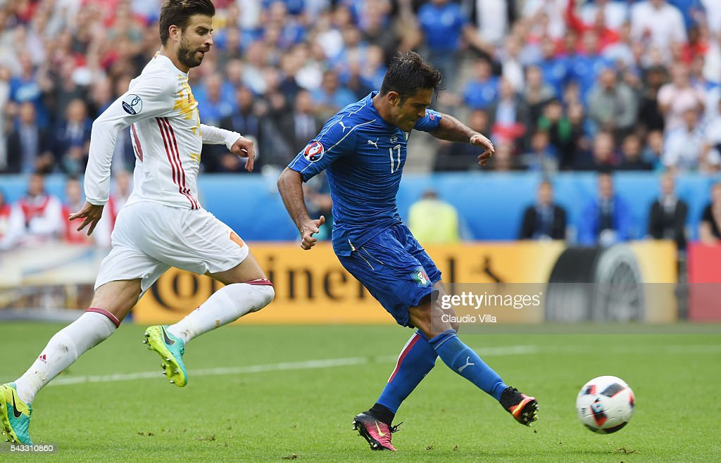 Eder of Italy shoots at goal during the UEFA EURO 2016 round of 16 match between Italy and Spain at Stade de France on June 27, 2016 in Paris, France.