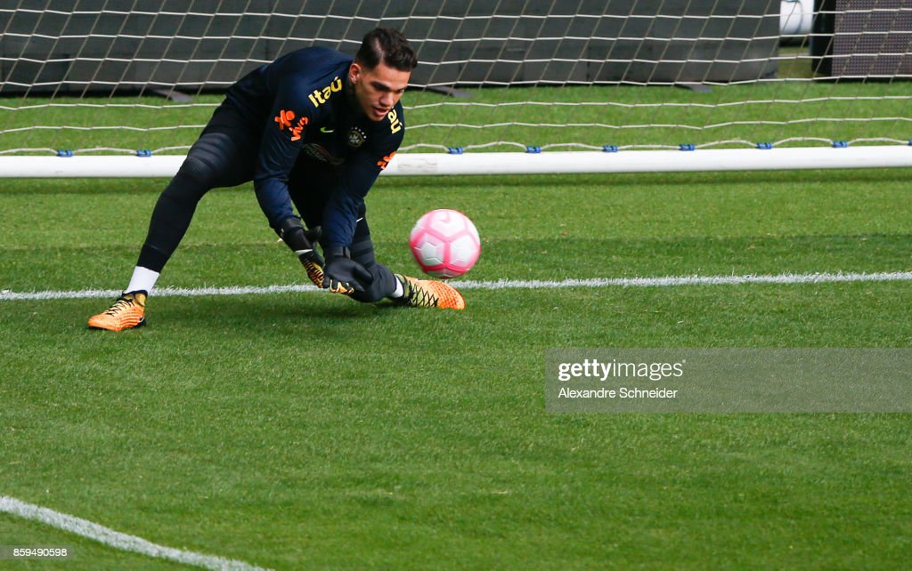 Ederson, goalkeeper of Brazil in action during the Brazil training session for 2018 FIFA World Cup Russia Qualifier match against Chile at Allianz Parque Stadium on October 09, 2017 in Sao Paulo, Brazil.