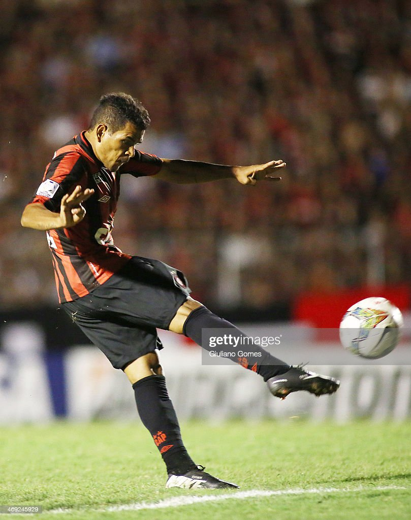 Ederson of Atletico Paranaense in action during a match between Atletico Paranaense and The Strongest as part of Copa Bridgestone Libertadores 2014 at Durival Britto Stadium on February 13, 2014 in Curitiba, Parana, Brazil.