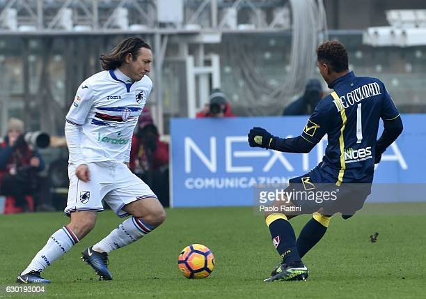 Edgar Barreto in action during the Serie A match between AC ChievoVerona and UC Sampdoria at Stadio Marc'Antonio Bentegodi on December 18 2016 in...