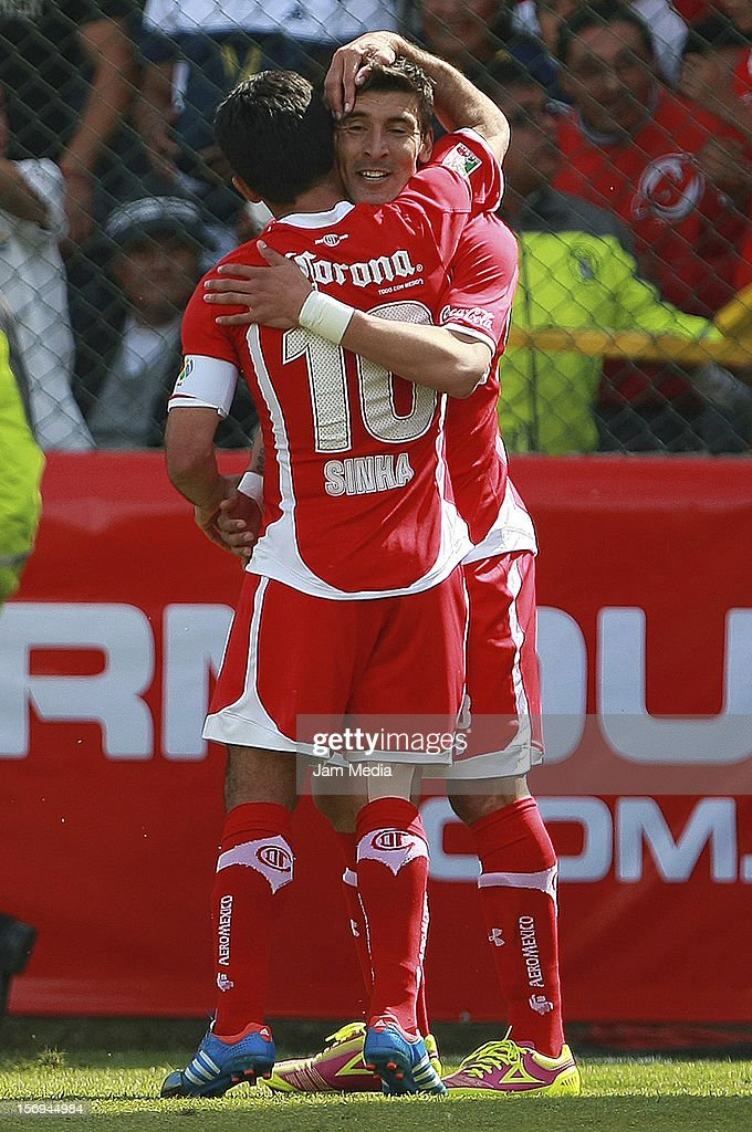<a gi-track='captionPersonalityLinkClicked' href=/galleries/search?phrase=Edgar+Benitez&family=editorial&specificpeople=3433635 ng-click='$event.stopPropagation()'>Edgar Benitez</a> of Toluca celebrates a goal against America during a match between Toluca and America as part of the Apertura 2012 Liga MX at Nemesio Diez Stadium on November 25, 2012 in Toluca, Mexico.