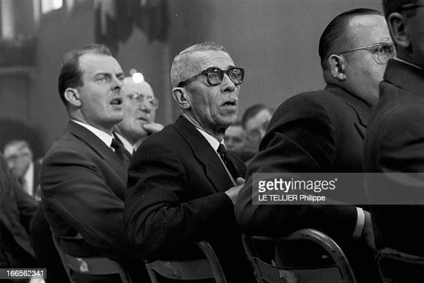 Edgar Faure ParisPériode 19551956 Lors d'une réception organisée par Edgar FAURE Ministre plan cadré sur un homme politique français non identifié...