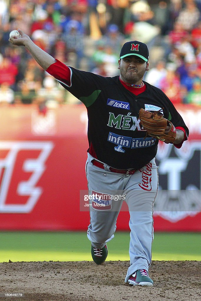 Edgar Gonzalez, pitcher of Mexico in action during the Caribbean Series Baseball 2013 in Sonora Stadium on February 2, 2013 in Hermosillo, Mexico.