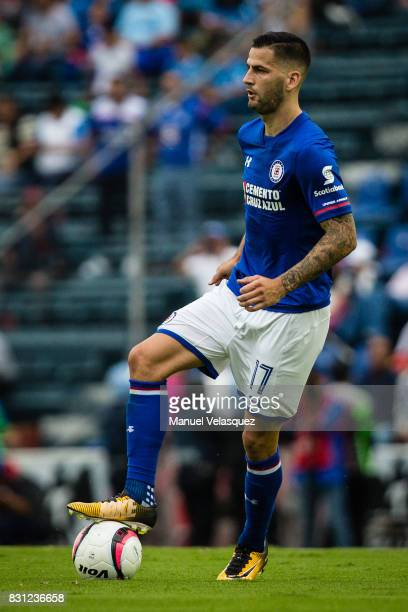 Edgar Mendez of Cruz Azul controls the ball during the 4th round match between Cruz Azul and Chivas as part of the Torneo Apertura 2017 Liga MX at...