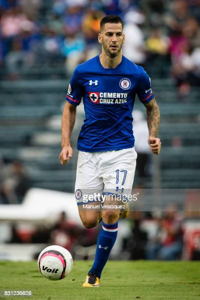 Edgar Mendez of Cruz Azul drives the ball during the 4th round match between Cruz Azul and Chivas as part of the Torneo Apertura 2017 Liga MX at Azul...