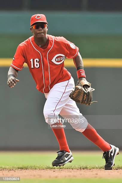 Edgar Renteria of the Cincinnati Reds fields a ground ball against the Philadelphia Phillies at Great American Ball Park on September 1 2011 in...