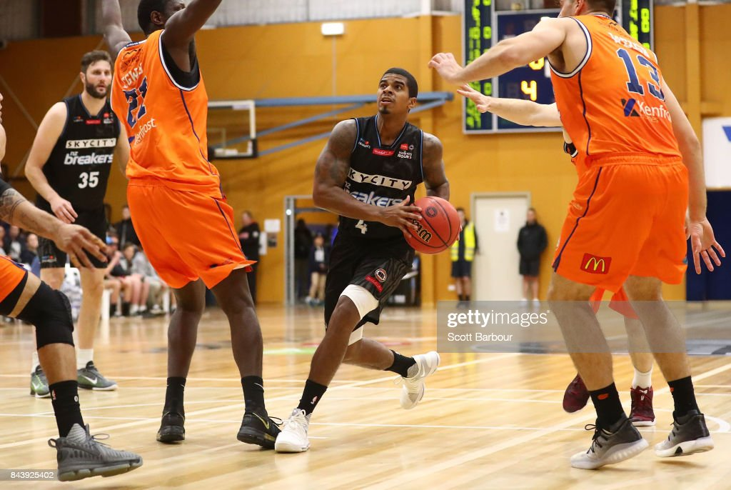 Edgar Sosa of the Breakers controls the ball during the 2017 NBL Blitz pre-season match between Cairns Taipans and the New Zealand Breakers at Traralgon Basketball Centre on September 7, 2017 in Traralgon, Australia.