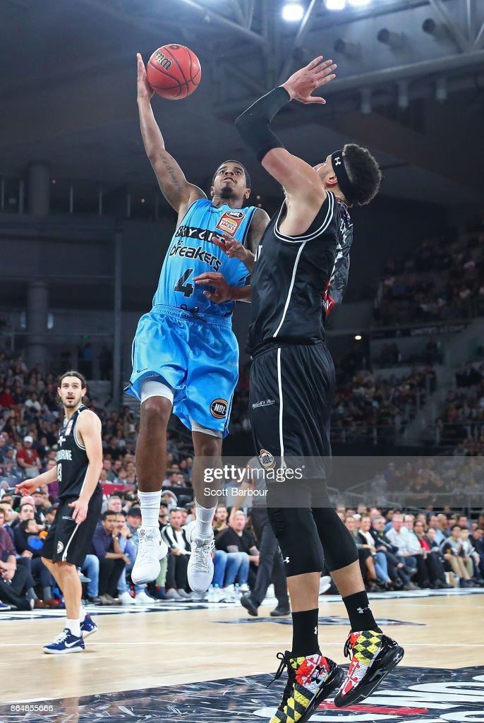 Edgar Sosa of the Breakers controls the ball during the round three NBL match between Melbourne United and the New Zealand Breakers at Hisense Arena on October 22, 2017 in Melbourne, Australia.