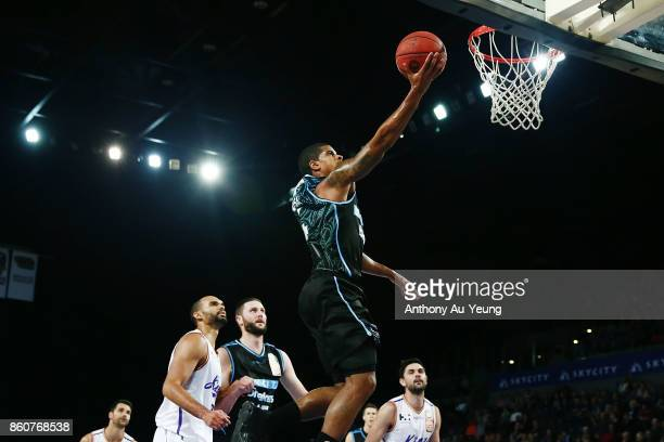 Edgar Sosa of the Breakers goes to the basket during the round two NBL match between the New Zealand Breakers and the Sydney Kings at Spark Arena on...