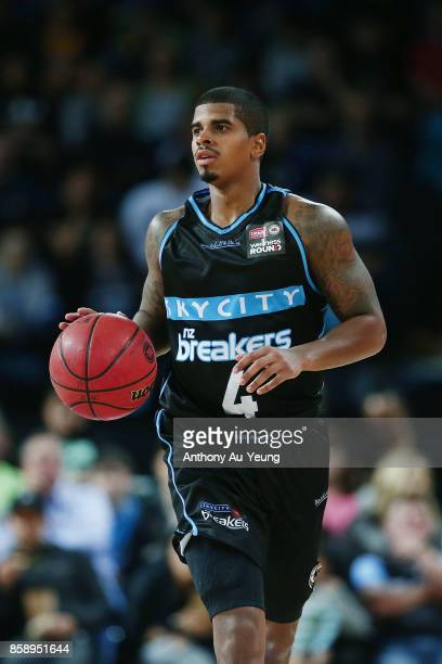 Edgar Sosa of the Breakers in action during the round one NBL match between the New Zealand Breakers and the Cairns Taipans at Spark Arena on October...
