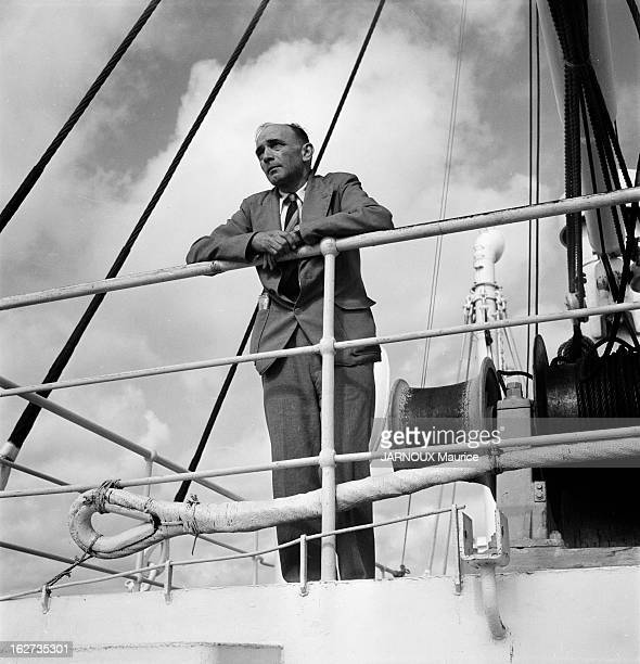 Edgard Maufrais Leaving To Search For His Son Raymond Gone Missing In The Amazon Le Havre France 18 juillet 1952 Edgard MAUFRAIS s'embarque pour Rio...