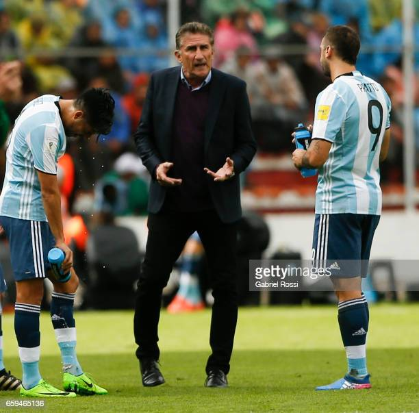 Edgardo Bauza coach of Argentina gives instructions to his players during a match between Bolivia and Argentina as part of FIFA 2018 World Cup...