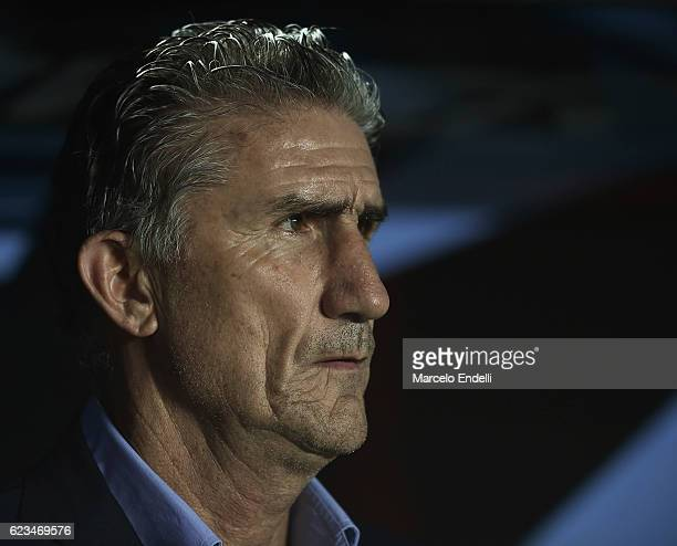 Edgardo Bauza coach of Argentina looks on during a match between Argentina and Colombia as part of FIFA 2018 World Cup Qualifiers at Bicentenario de...