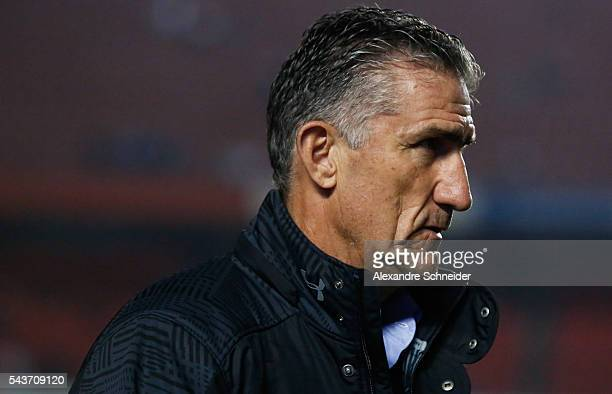 Edgardo Bauza coach of Sao Paulo in action during the match between Sao Paulo and Fluminense for the Brazilian Series A 2016 at Morumbi stadium on...
