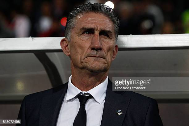 Edgardo Bauza head coach of Argentina looks on during a match between Peru and Argentina as part of FIFA 2018 World Cup Qualifiers at Nacional...