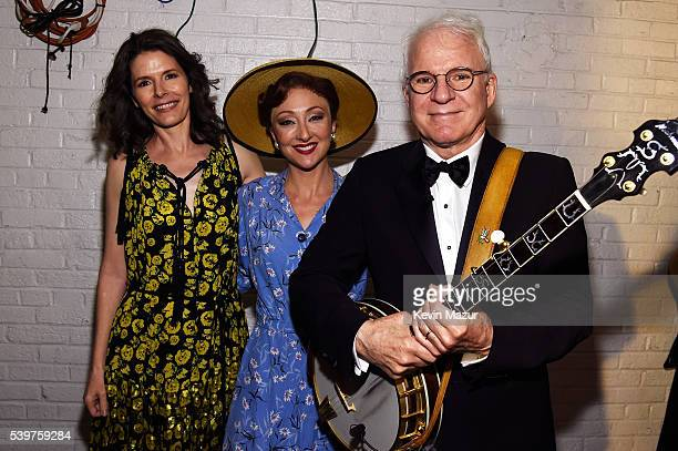 Edie Brickell Carmen Cusack and Steve Martin pose backstage at the 70th Annual Tony Awards at The Beacon Theatre on June 12 2016 in New York City