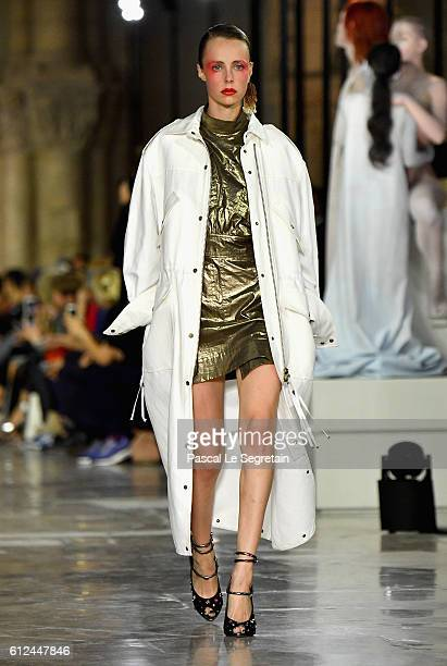 Edie Campbell walks the runway during the Kenzo show as part of the Paris Fashion Week Womenswear Spring/Summer 2017 on October 4 2016 in Paris France
