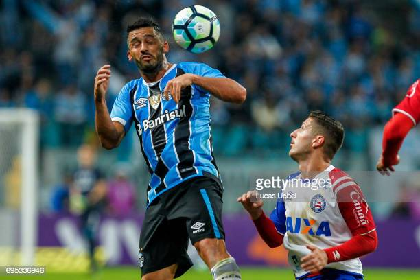 Edilson of Gremio battles for the ball against Ze Rafael of Bahia during the match between Gremio and Bahia as part of Brasileirao Series A 2017 at...