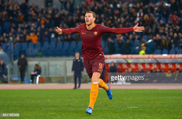 Edin Dzeko of AS Roma celebrates after scoring a goal during the Serie A match between AS Roma and ACF Fiorentina at Stadio Olimpico on February 7...
