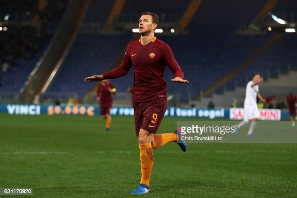 Edin Dzeko of AS Roma celebrates scoring his side's fourth goal during the Serie A match between AS Roma and ACF Fiorentina at Stadio Olimpico on...