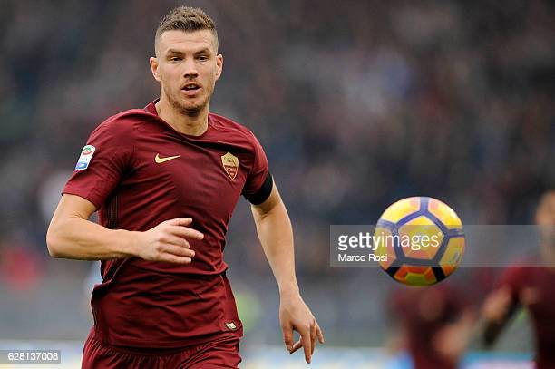 Edin Dzeko of AS Roma in action during the Serie A match between SS Lazio and AS Roma at Stadio Olimpico on December 4 2016 in Rome Italy