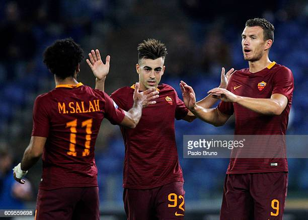 Edin Dzeko with his teammates Mohamed Salah and Stefan El Shaarawy of AS Roma celebrates after scoring the team's fourth goal during the Serie A...