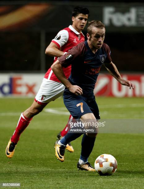 Edin Visca of Medipol Basaksehir in action during the UEFA Europa League Group C match between Sporting Braga and Medipol Basaksehir at the Braga...