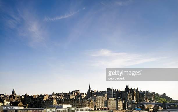 Skyline della città vecchia di Edimburgo