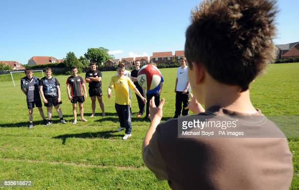 Edinburgh Rugby players David Young and Andrew Turnbull join Mark Cairns as they offer pupils the chance to Come and Try in order to drum more...