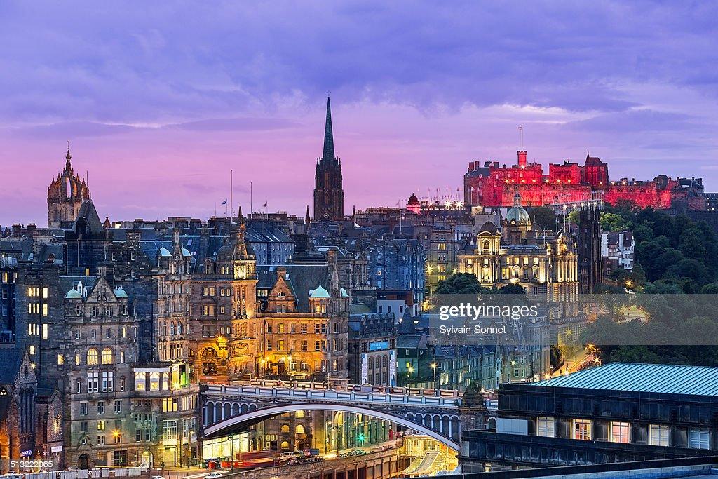 Edinburgh skyline from Calton Hill at dusk : Foto de stock