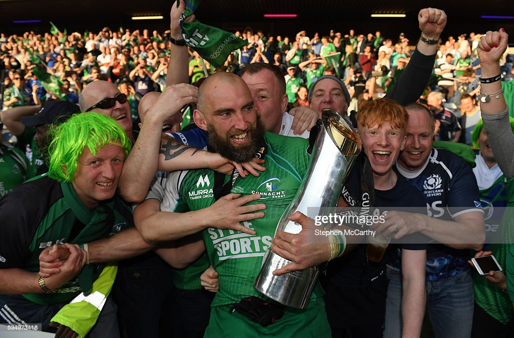 Edinburgh , United Kingdom - 28 May 2016; Connacht captain John Muldoon with supporters following the Guinness PRO12 Final match between Leinster and Connacht at BT Murrayfield Stadium in Edinburgh, Scotland.