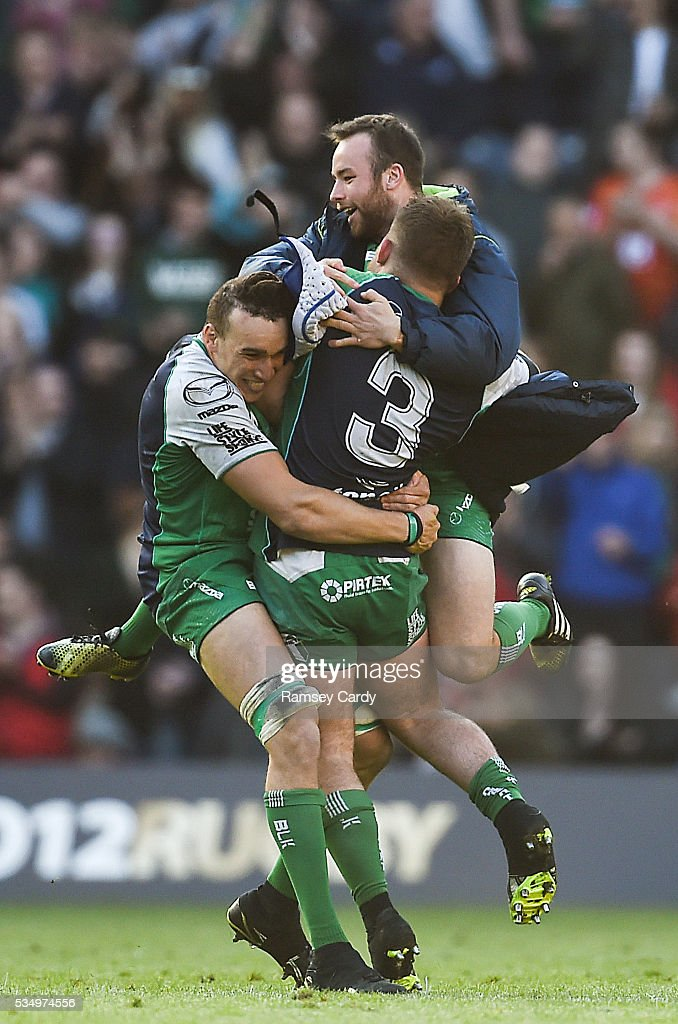 Edinburgh , United Kingdom - 28 May 2016; Connacht players, from left, Ultan Dillane, Shane OLeary, centre, and Finlay Bealham, celebrate following their the Guinness PRO12 Final match between Leinster and Connacht at BT Murrayfield Stadium in Edinburgh, Scotland.