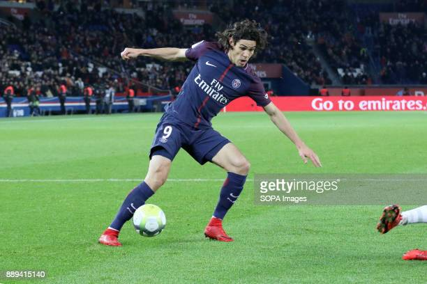 Edinson Cavani in action during the French Ligue 1 soccer match between Paris Saint Germain and Lille at Parc des Princes
